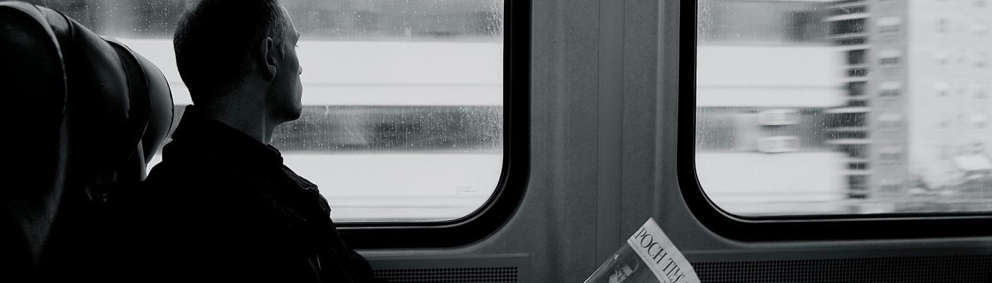Der neue Stefan Mann im Zug Abteil
