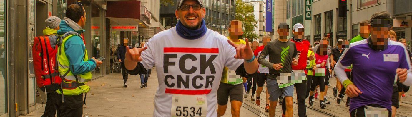 Stefan Kübler in der Innenstadt von Bremen bei seinem ersten Halbmarathon